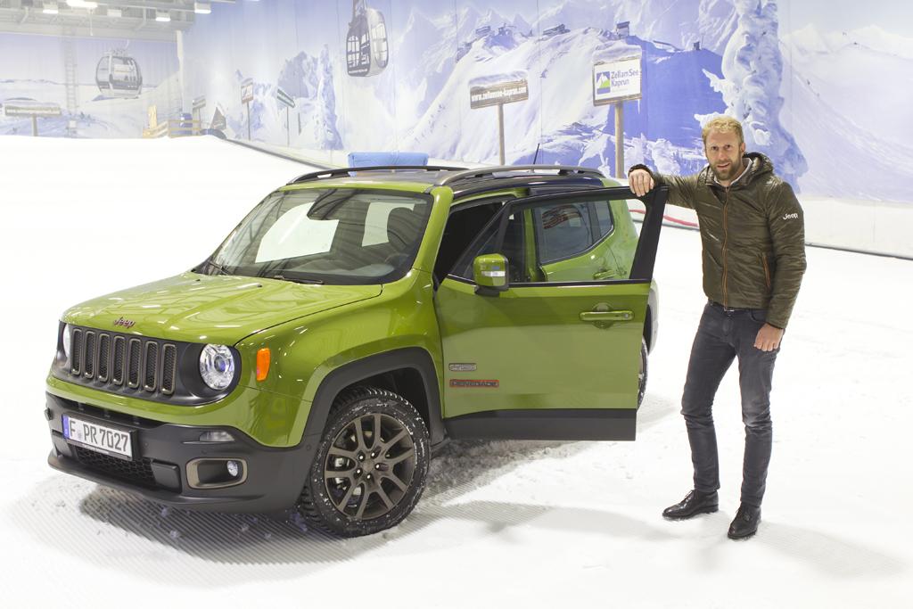 Wintertestfahrt mit Jeep® Renegade und Kumho-Winterreifen in der Skihalle Neuss