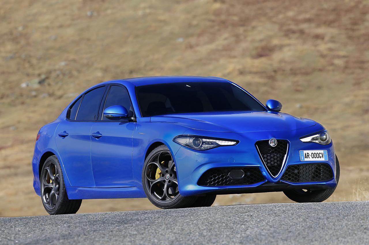 """Alfa Romeo Giulia mit """"Auto Trophy 2016"""" ausgezeichnet"""