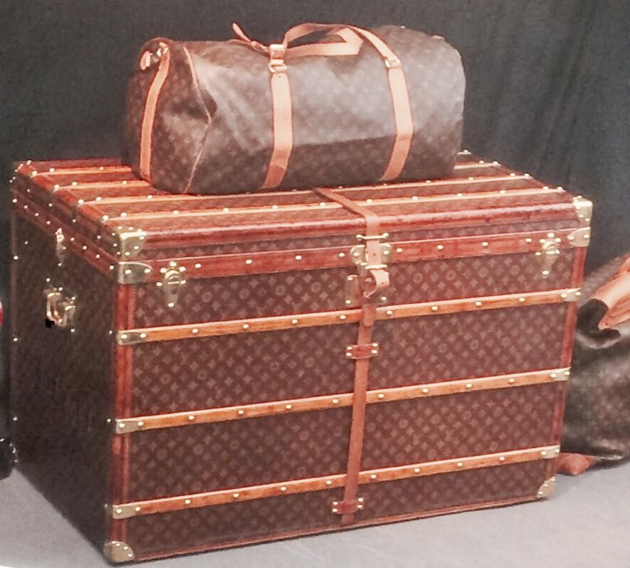 Antike Luxukoffer als Anlageobjekt: Louis-Vuitton-Sammler Axel Währisch klärt auf