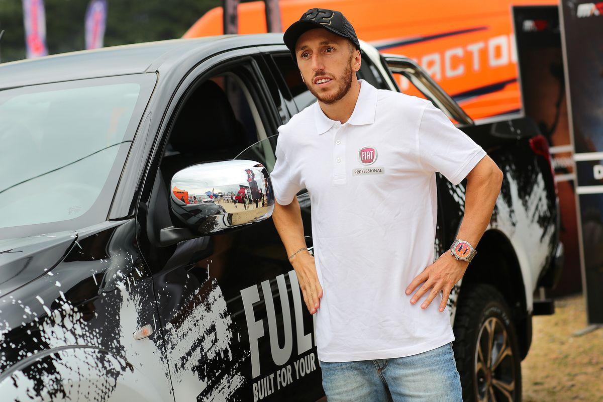 """Antonio """"Tony"""" Cairoli (8-facher Weltmeister) besucht den Fiat-Professional-Stand auf der IAA in Hannover"""