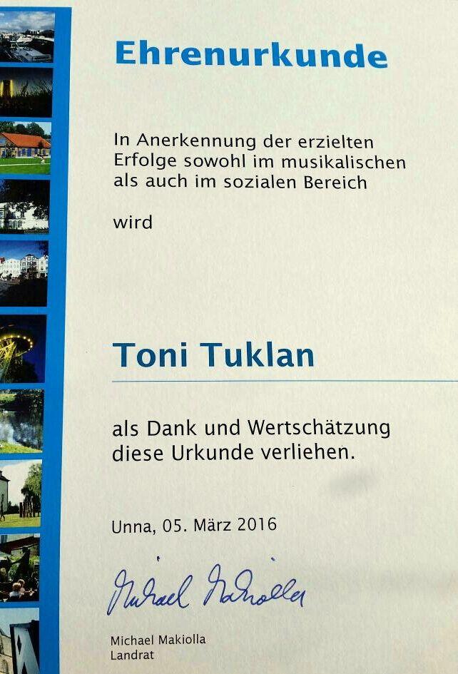 Ehrenurkunde Toni Tuklan