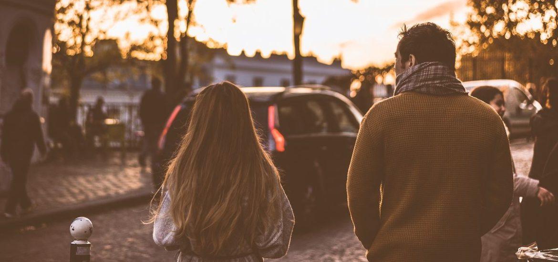 Autoreisen: Smartphone vs. Gespräche