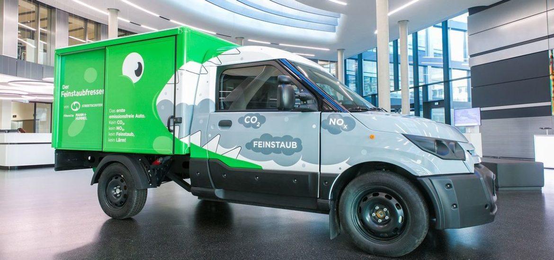 Die Deutsche Post DHL Group, StreetScooter und Mann+Hummel präsentieren das weltweit erste emissionsneutrale Fahrzeug