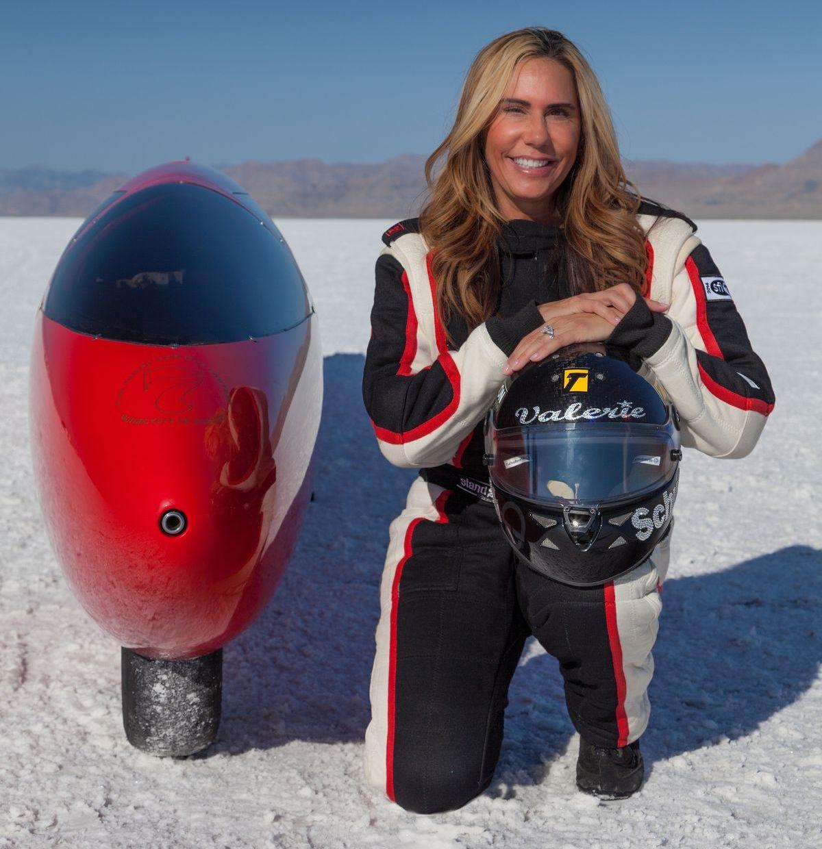 Valerie Thompson mit dem Team 7 Racing Streamliner