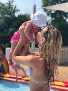Baby-Schwimmen mit Silva Gonzalez, Stefanie Schanzleh und Ella
