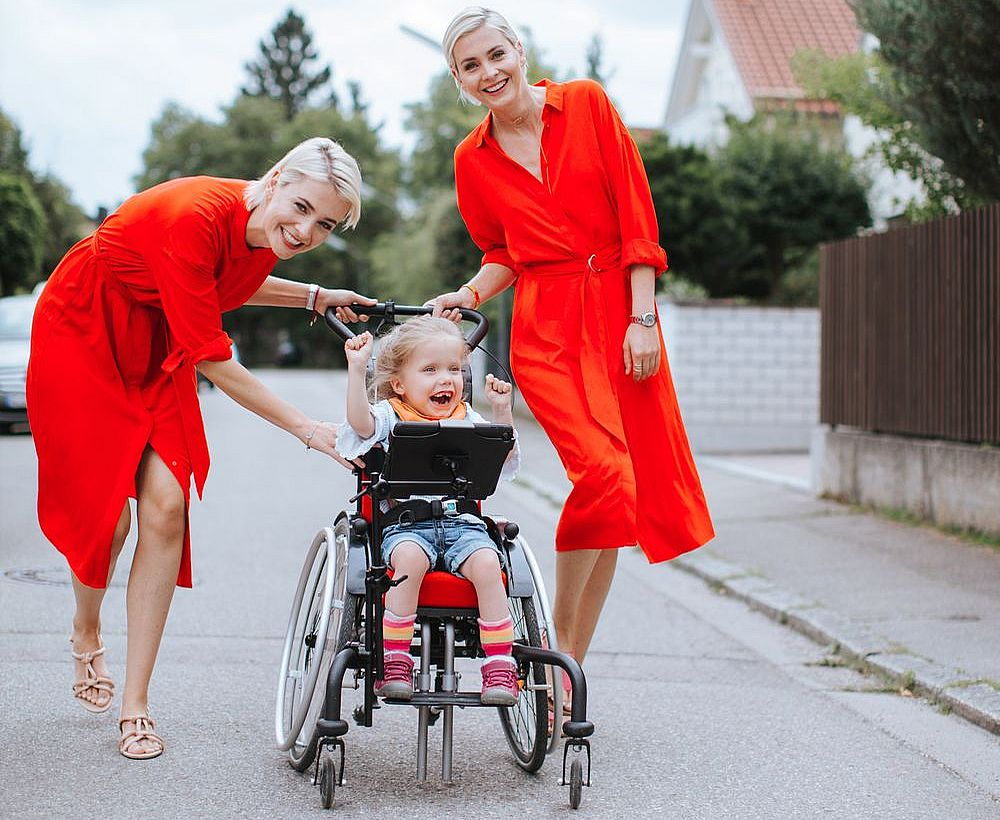 Julia und Nina Meise für Nestwärme e.V. Deutschland