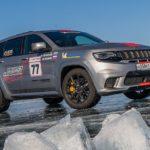 Jeep® Grand Cherokee Trackhawk setzt SUV-Geschwindigkeits-Rekord auf dem Eis des Baikalsees