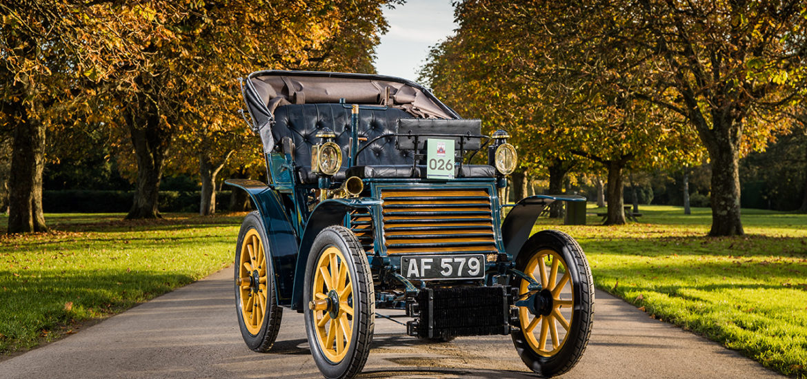 "Fiat 3½ HP von 1899 startet beim ""London to Brighton Veteran Car Run"""