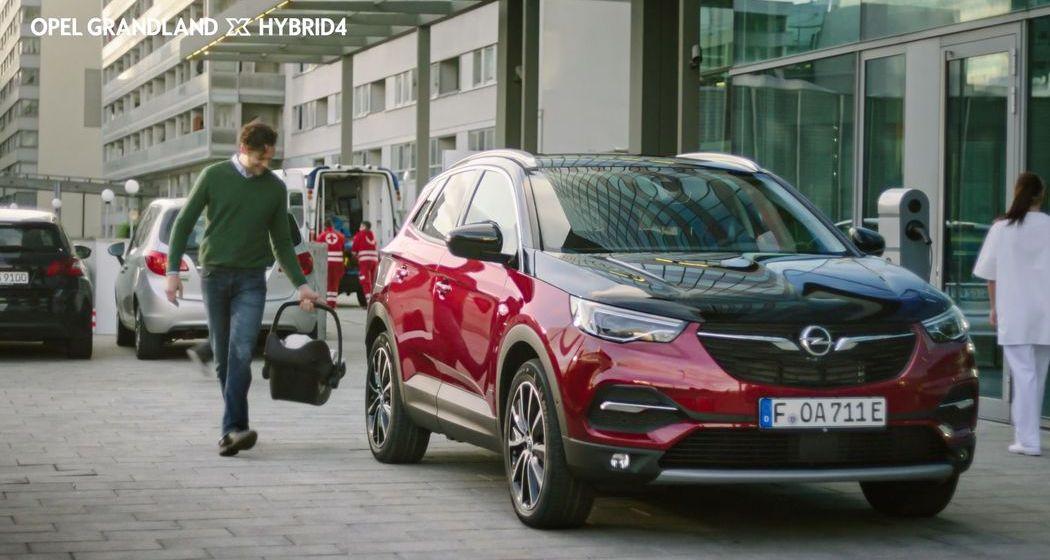 360-Grad-Kampagne zum Opel Grandland X Plug-in-Hybrid