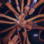 Hilfsorganisationen und Prominente starten große Social-Media-Kampagne