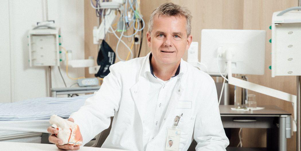 """""""Sehr realistischer Eindruck einer Herz-Operation aus vielen Perspektiven"""" - Prof. Martens operiert heute am offenen Herzen bei Kabel Eins"""