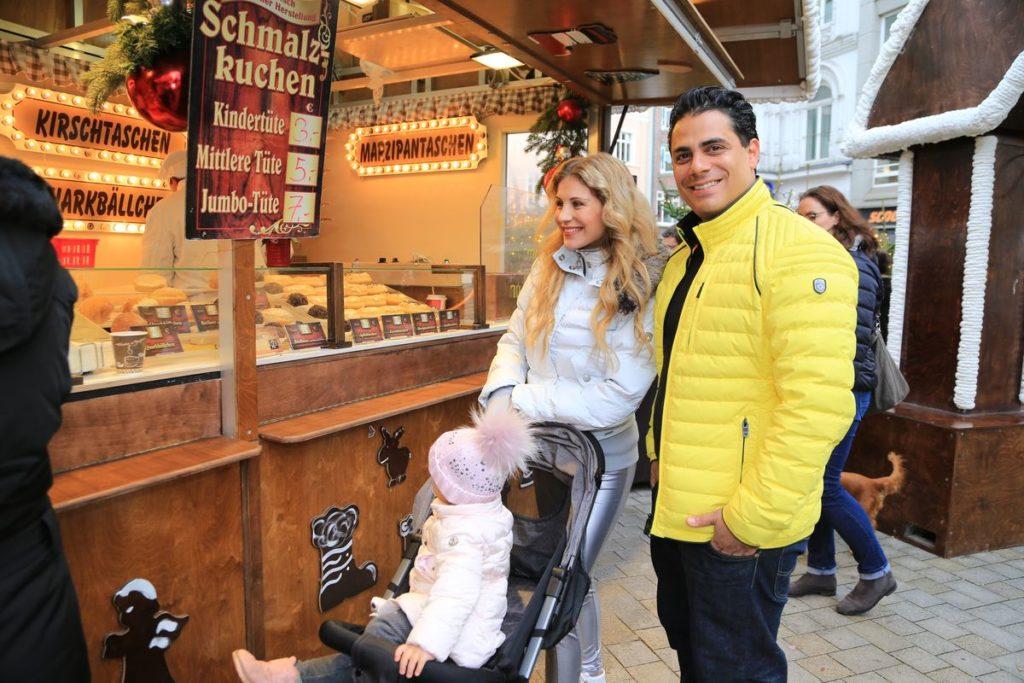 Stefanie Schanzleh und Silva Gonzalez mit Tochter