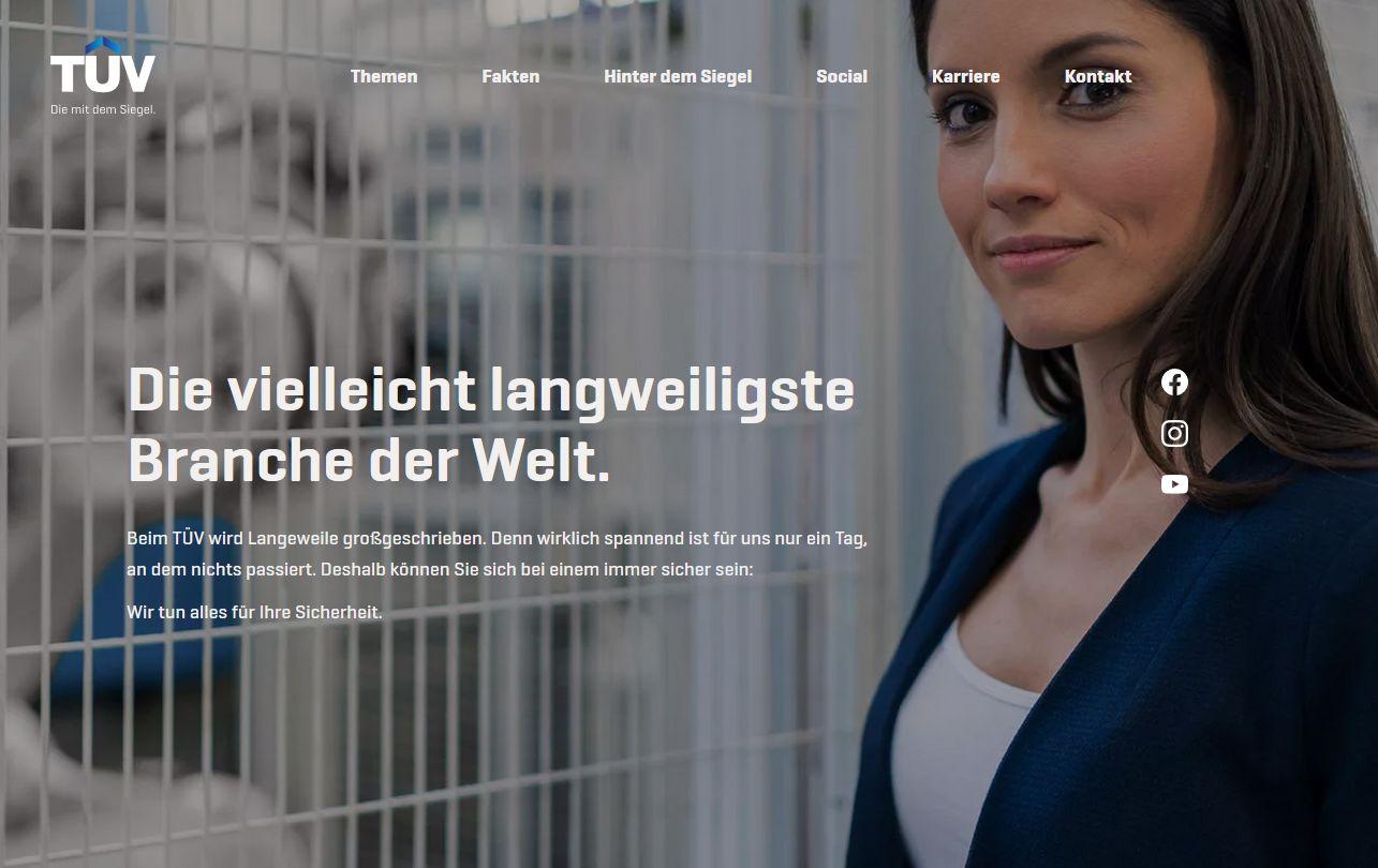 Die Website tuev.online dient als Content Hub.