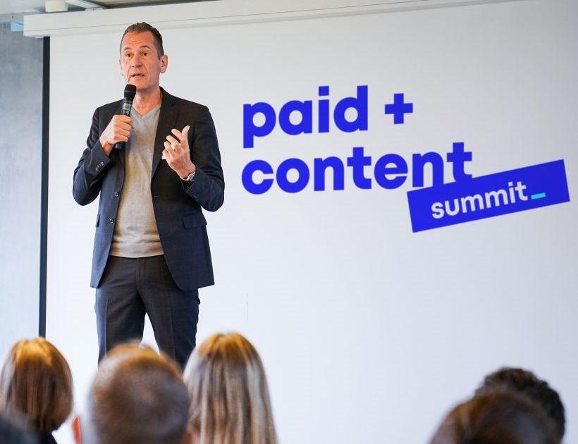 """Mathias Döpfner begrüßt die Teilnehmer des siebten """"International Paid Content Summit"""" bei Axel Springer in Berlin"""