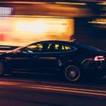 Im Bücherregal: Elektroautos und autonomes Fahren verstehen