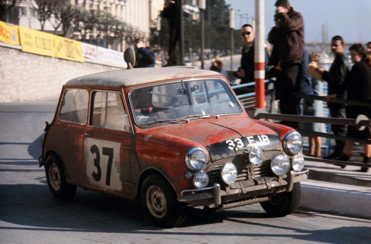 Paddy Hopkirk im Mini Cooper bei der Rallye Monte Carlo 1964