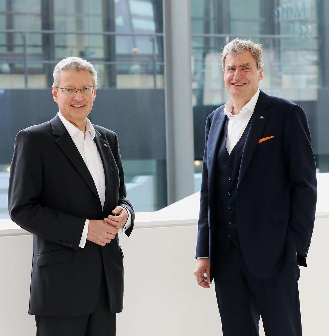Die beiden Messe-CEOs, Dr. Roland Fleck und Peter Ottmann (von links), blicken trotz der schwierigen vergangenen Monate optimistisch in die Zukunft.