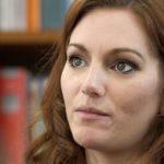 Reportage: Frauen in der Geldfalle