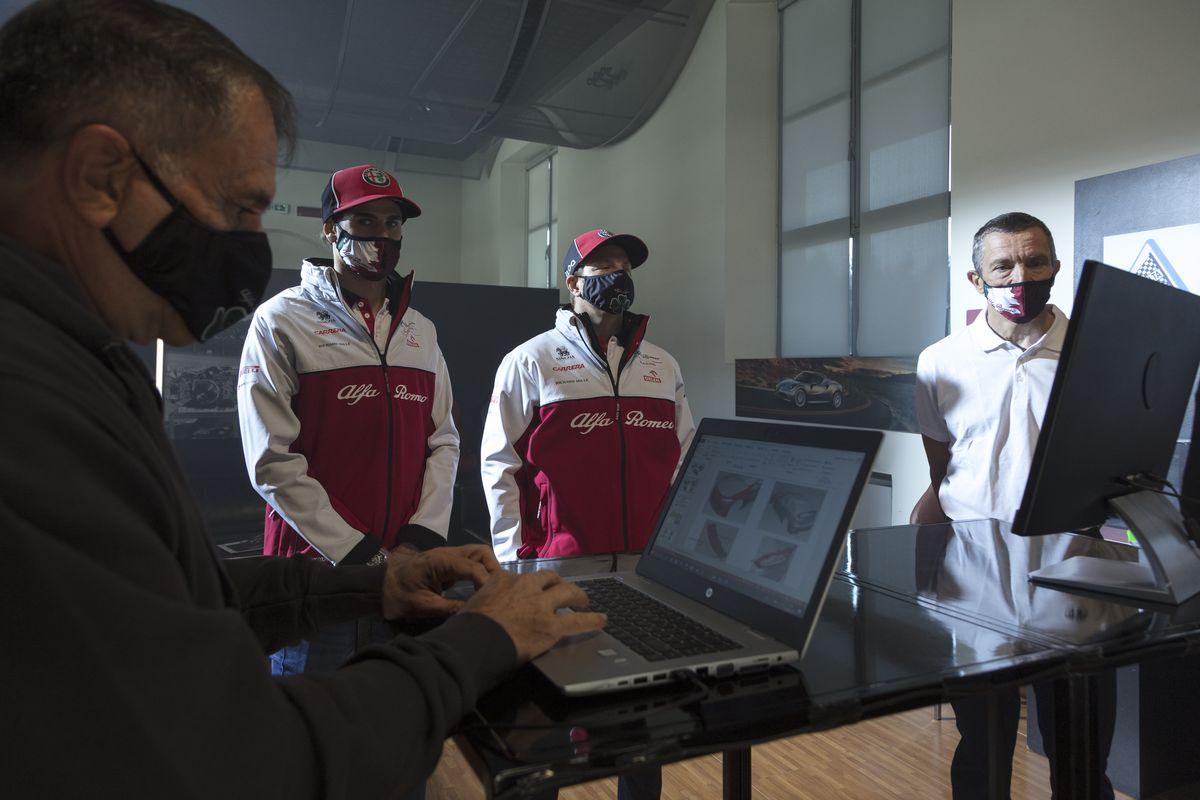 Alfa Romeo Racing ORLEN: Kimi Räikkönen und Antonio Giovinazzi testen neue Giulia GTA
