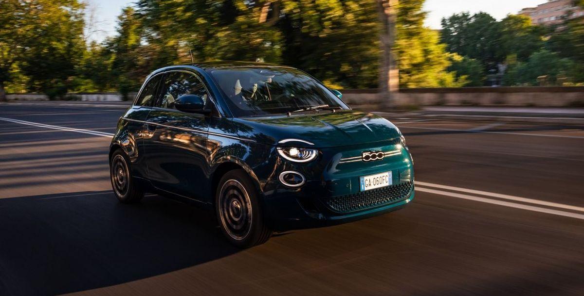 Neuer elektrisch angetriebener Fiat 500 gewinnt renommierten Designpreis