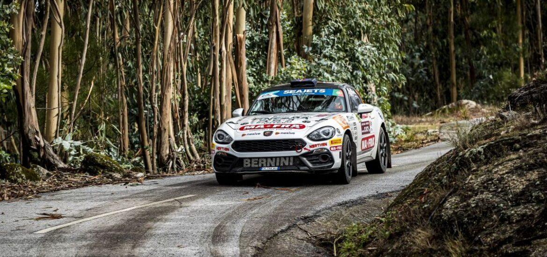 Viele italienische Erfolge für Abarth am vergangenen Wochenende: 1. Platz für Mabellini im Abarth Rally Cup, 2. Platz für ihn bei der ERC2 Rallye Fafe Montelongo