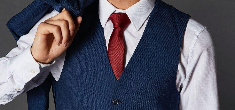 Krawatten und Fliegen für das Business-Outfit