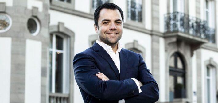Tim Bravo leitet die Kommunikation bei Bugatti und Lamborghini